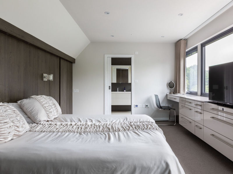 Ensuite bedroom in a dormer loft conversion North West London