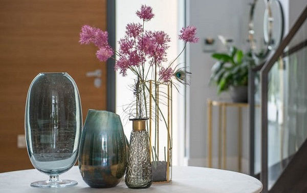 Vases and flowers in a new build home